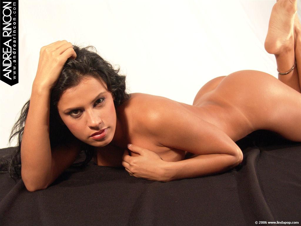 Andrea Rincon Deanuda andrea rincon, selena spice galeria 47 : muy sexy sobre una