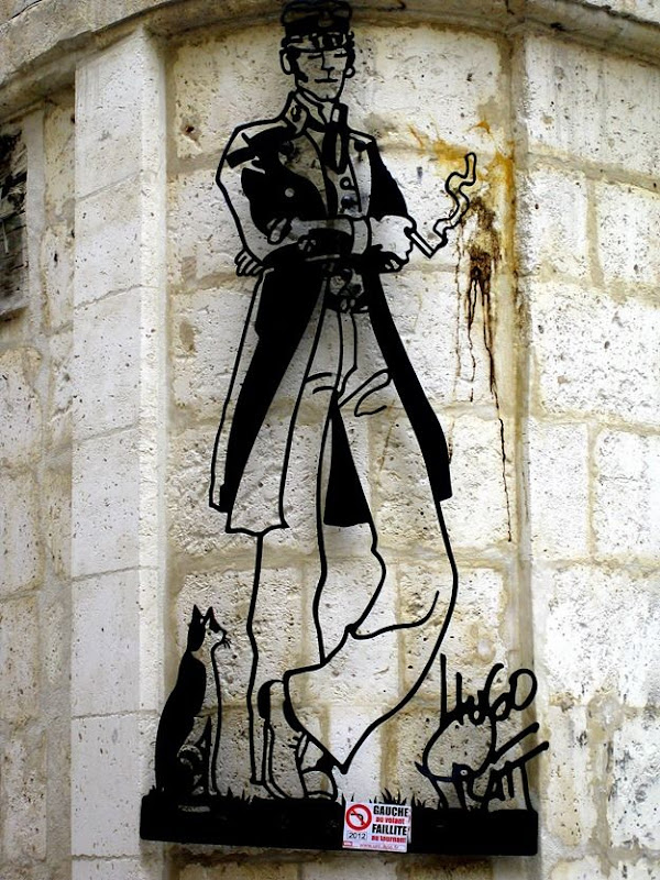 Street Art French Angouleme Dandy smoking line drawing.png