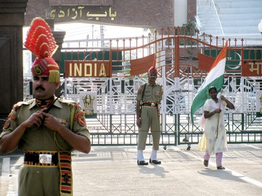 Pakistan-India-Sunset-Border-Celebration-2012-04-18-16-48-55-