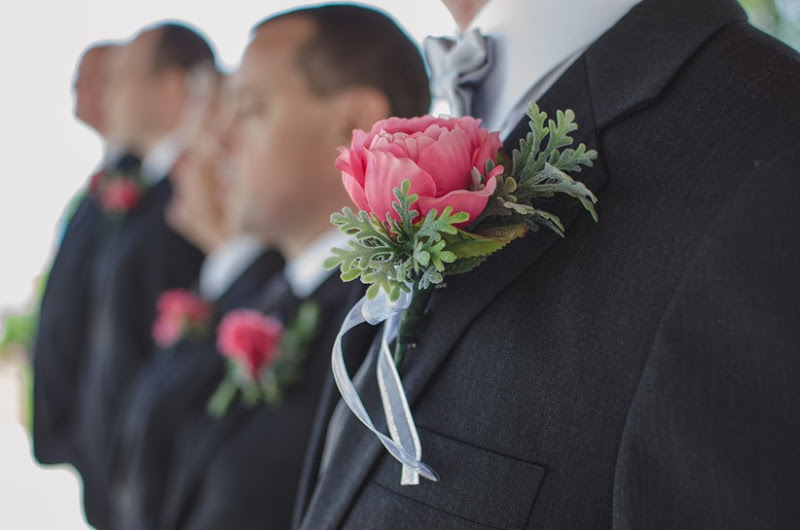 Photo Finish 28 | Groomsmen Boutonnieres | personallyandrea.com