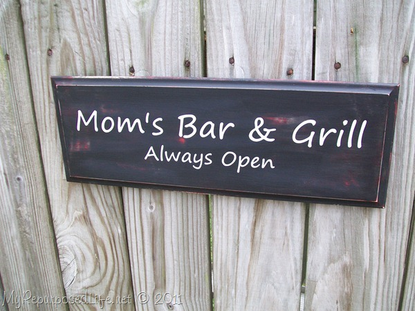 Mom's Bar & Grill sign