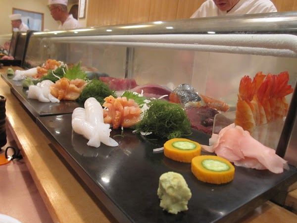 Mancare in Japonia: Sashimi la Tokyo.JPG