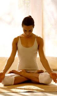 瑜伽動作圖解、瑜伽基本動作大全-瑜伽屋