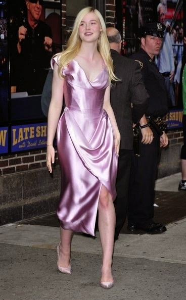 elle-fanning-at-the-late-show-with-david-letterman-in-nyc_1