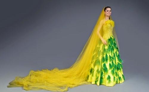 vestido-de-noiva-confeccionado-pelo-estilista-edson-eddel-e-inspirado-na-copa-do-mundo-de-2014-que-sera-realizada-no-brasil-1387216442228_800x500