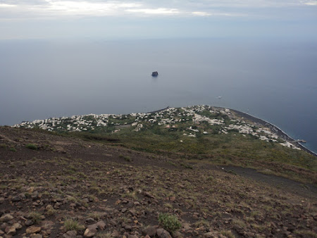 Imagini Sicilia: Stromboli - Vedere de pe pantele vulcanului