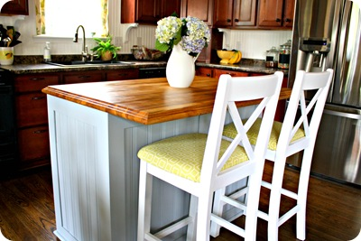 white chairs gray kitchen island