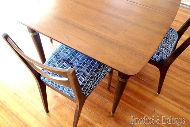 Fabulous 50's dining set... completely restored! {Sawdust and Embryos}