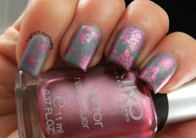 Pink snowflakes nailart stamped with QA86 plate matte