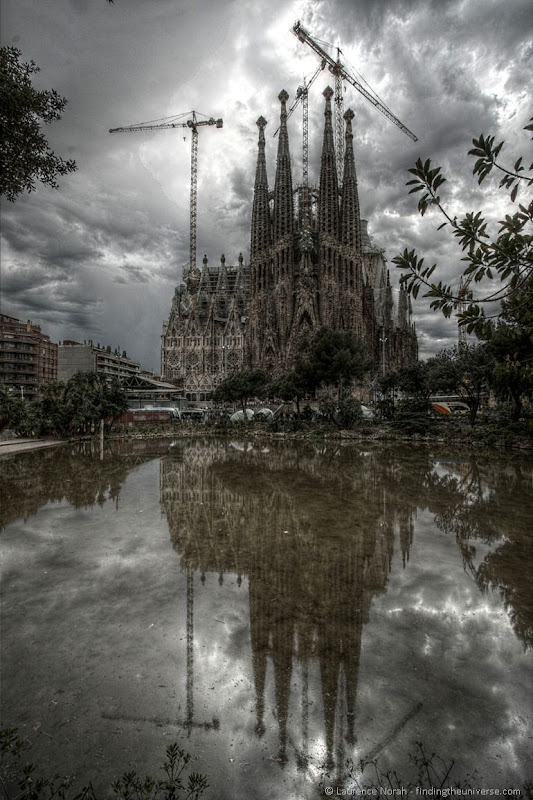 Sagrada Familia outside reflection 2
