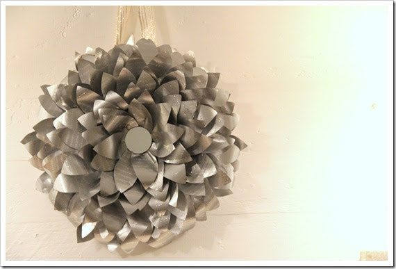 silver star flower wreath tutorial