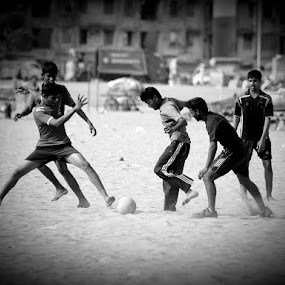 is it not good to see something other than cricket? :) by Marzook Mohd - People Street & Candids (  )