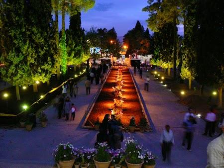 12. Mormantul lui Hafez din Shiraz, Iran.JPG