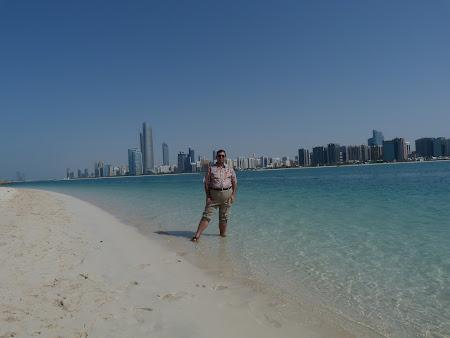 14. plaja Abu Dhabi.JPG
