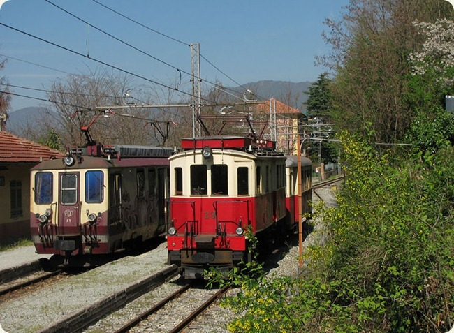 Trenino_Casella_incrocio_locomotive
