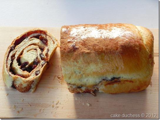 cinnamon-raisin-swirl-bread-2