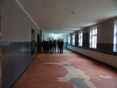 06. Cazarma la Auschwitz.JPG