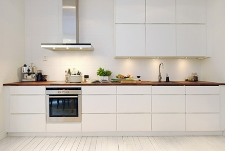 iluminacion-cocina-minimalista-blanca Cocinas modernas blancas