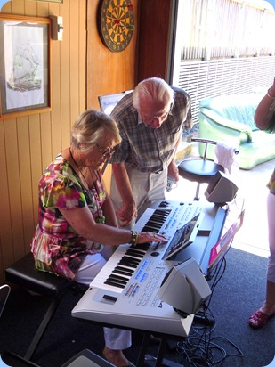 Marlene Forrest setting-up to play the Yamaha Tyros 4