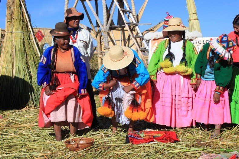 uros-floating-island-18