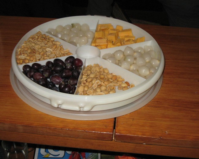 SURPRISE CHEESE & WINE NIBBLES