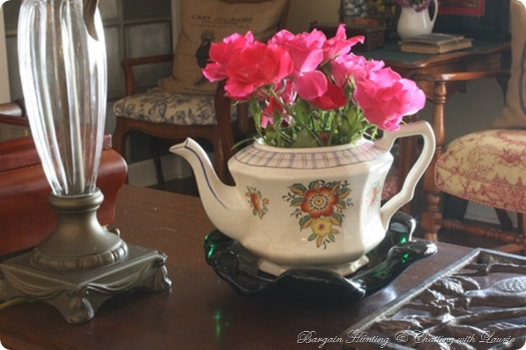 flowrs tea pot