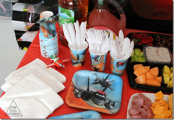 Disney Planes party food and table decor. #shop #WorldofCars