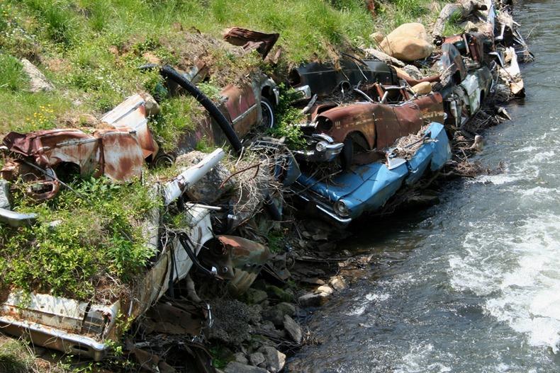 Detroit Riprap Abandoned Cars As Erosion Control