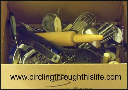 Storing Kitchen Utensils While Organzing