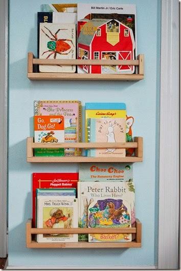 Coole-Ideen-Organisation-Kinderbüchereien-Holzregale
