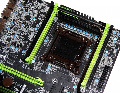 x4407_17_gigabyte_g1_assassin_2_intel_x79_motherboard_preview.jpg.pagespeed.ic.I06QE4o_MT