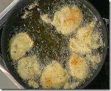 Frittelle di ricotta ai pistacchi