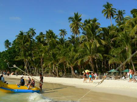 Plaje Filipine: palmieri pe plaja Boracay