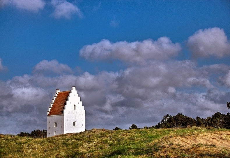 sand-covered-church-skagen-3