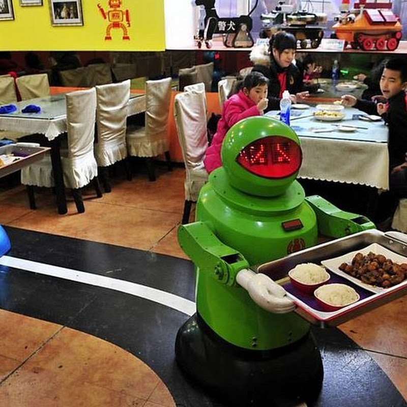 Robot Restaurant in Harbin, China
