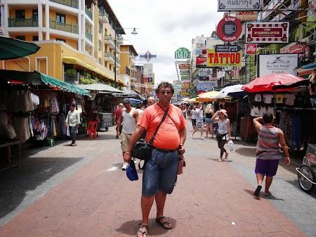 02. Khao San Road - Bangkok.JPG