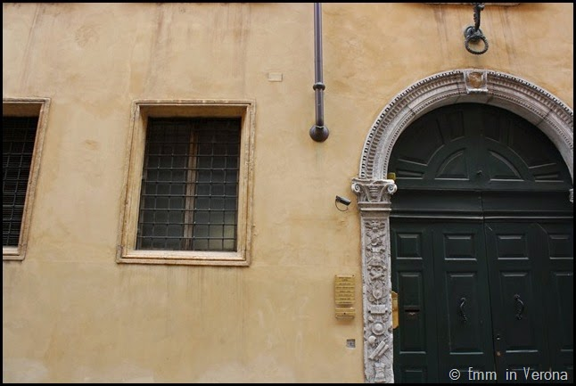 Windows and Doorways of Verona (9)