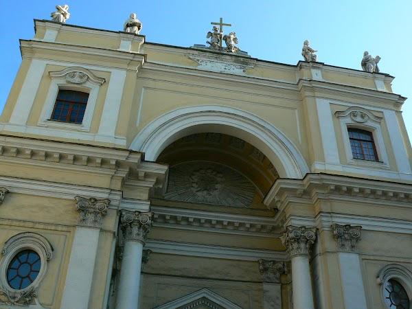 Obiective turistice Rusia: biserica catolica in St. Petersburg.JPG