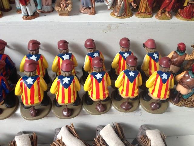 La Fira de Santa Llúcia obre amb el caganer independentista com un dels protagonistes #25N