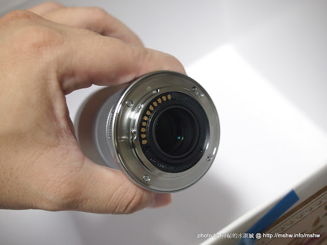 大光圈所以要用大箱子裝?! ~ 奧林巴斯 Olympus MZD 45mm F1.8 鏡頭開箱 嗜好 攝影 新聞與政治 開箱