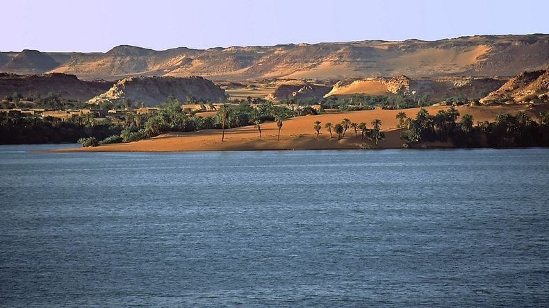 lakes-of-ounianga-7