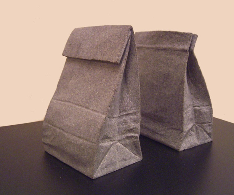 Paper_sack_bookend_by_jiyuseki