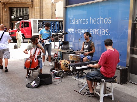 10. Cantareti pe strada in Buenos Aires.JPG