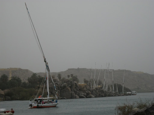 The other tour's felucca leaves