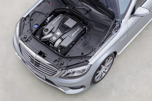 2014-Mercedes-Benz-S63-AMG-29.jpg
