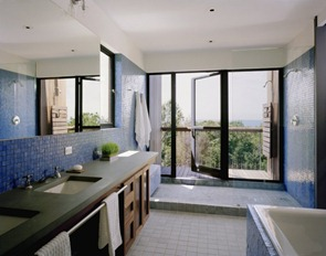 Baño-Casa-Bluff-por-Robert-Young