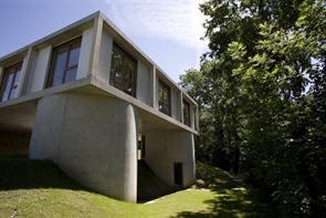 casa-moderna-fachada-de-hormigon