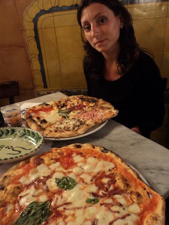 Pizzeria Napolitana: Napoli - Cea  mai buna pizza se mananca la Gino Sorbilo