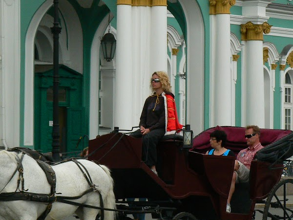 Imagini Rusia: cu caleasca la Ermitaj, Sankt Petersburg