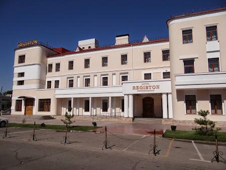01. Hotel Registon Samarkand.JPG
